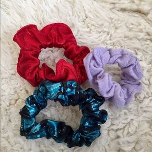 Accessories - 4 Scrunchies